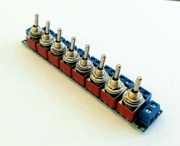 RKpdu4 DPDT Power Distribution Unit for Model Railway  - (ON) OFF (ON) DPDT Toggles Constructed